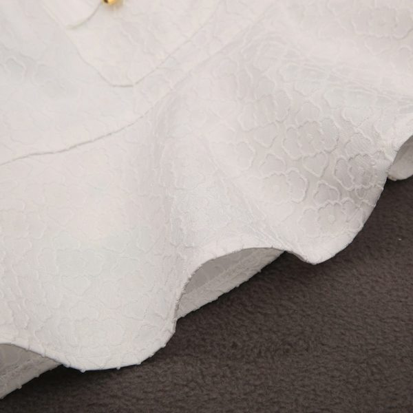 Pretty white ruffled skirt