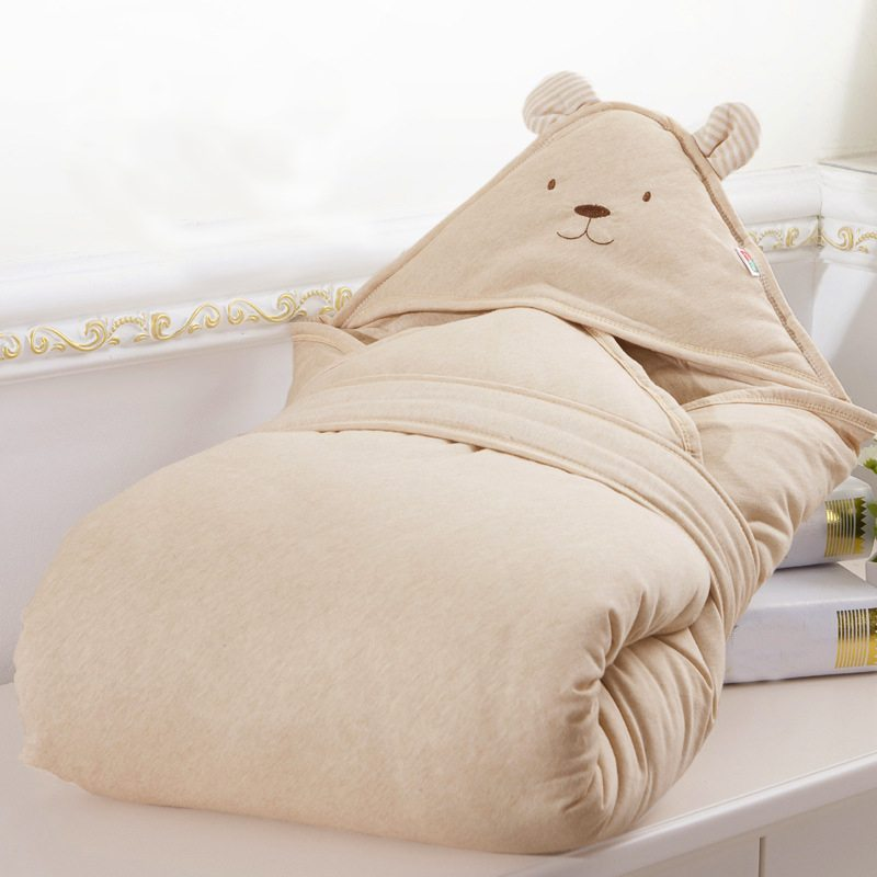 Brown bear quilted blanket