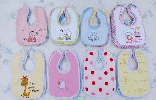 Sweet patterned bibs set