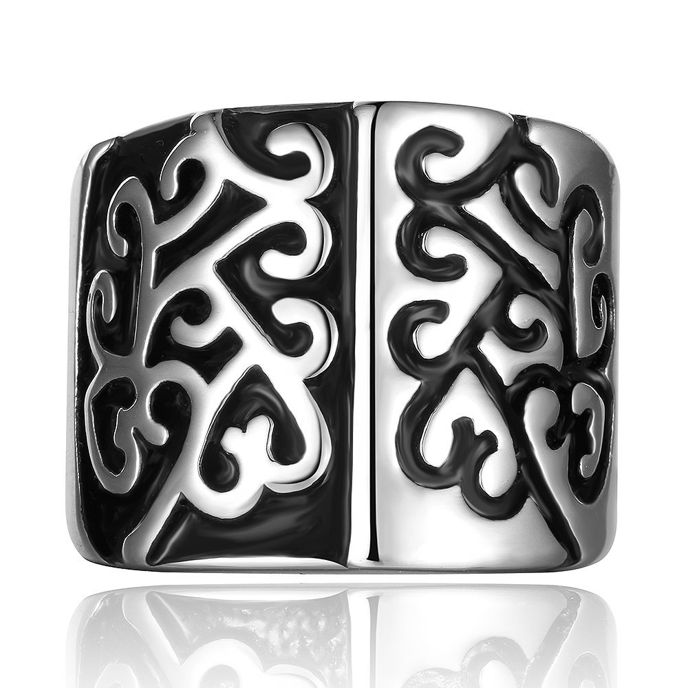 Patterned stainless steel ring