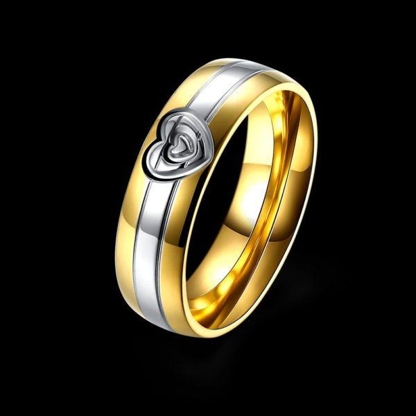 Classy gold & silver heart wedding band