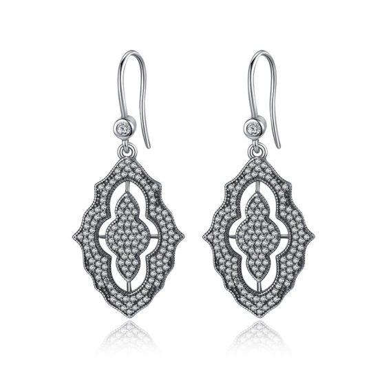Elegant ladies earrings