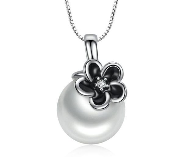 Flower & pearl silver necklace
