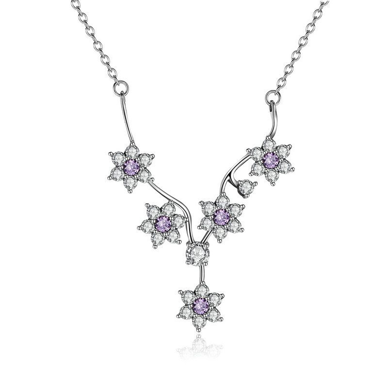 Pretty entwined flower necklace