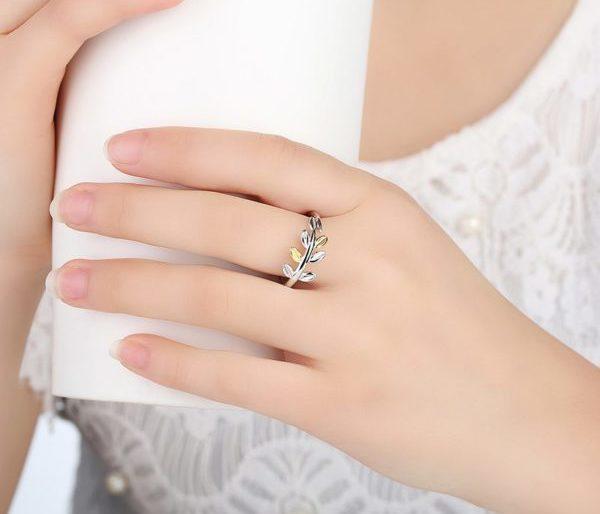 Pretty leaf entwined ring