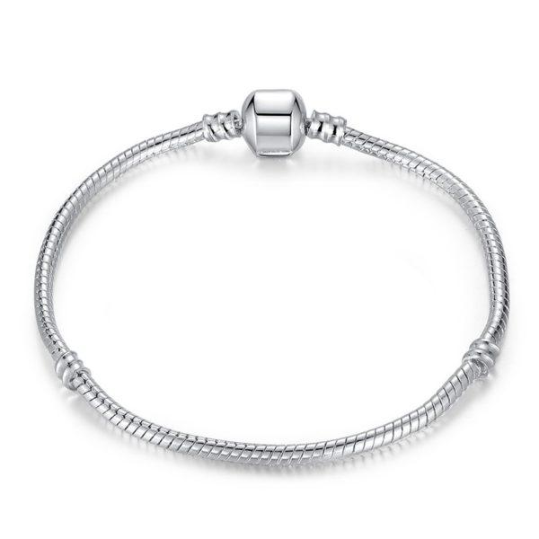 Your simple chain charm bracelet