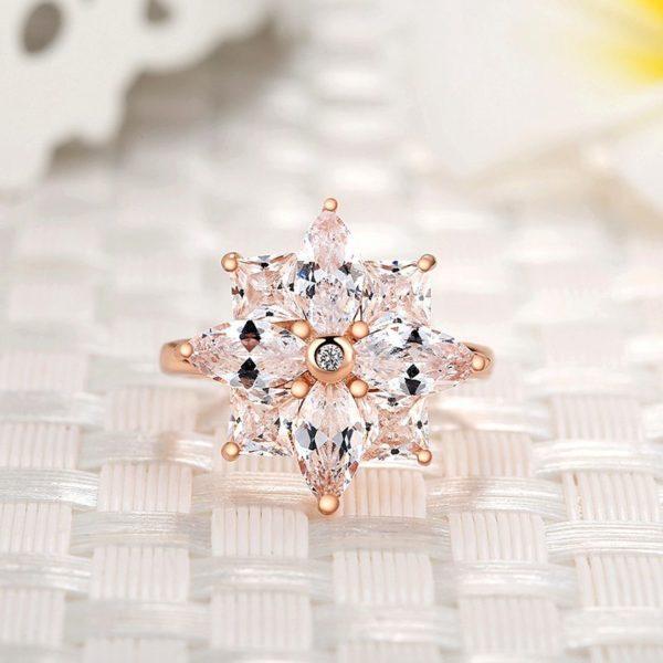 Chunky snowflake ring