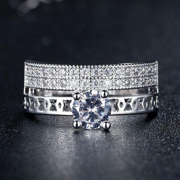 Magnificent engagement & wedding ring set