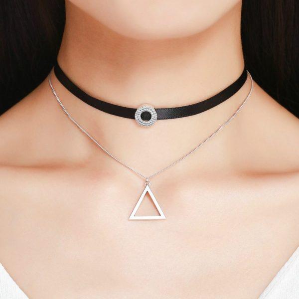 Beautiful dangling choker necklace