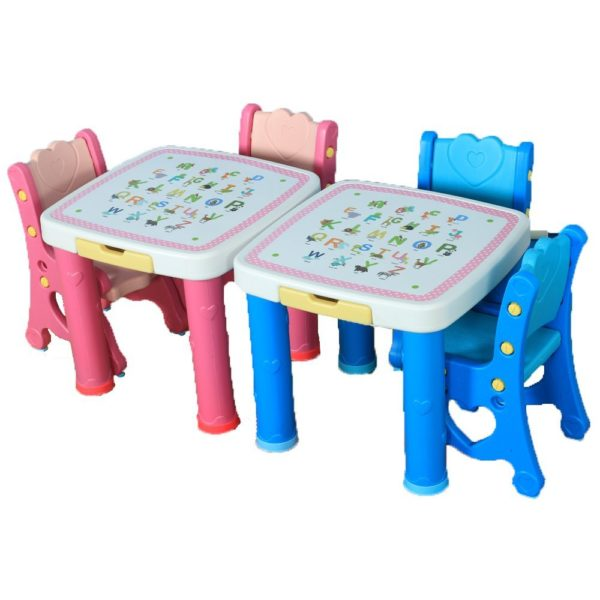 Adorable table & chairs